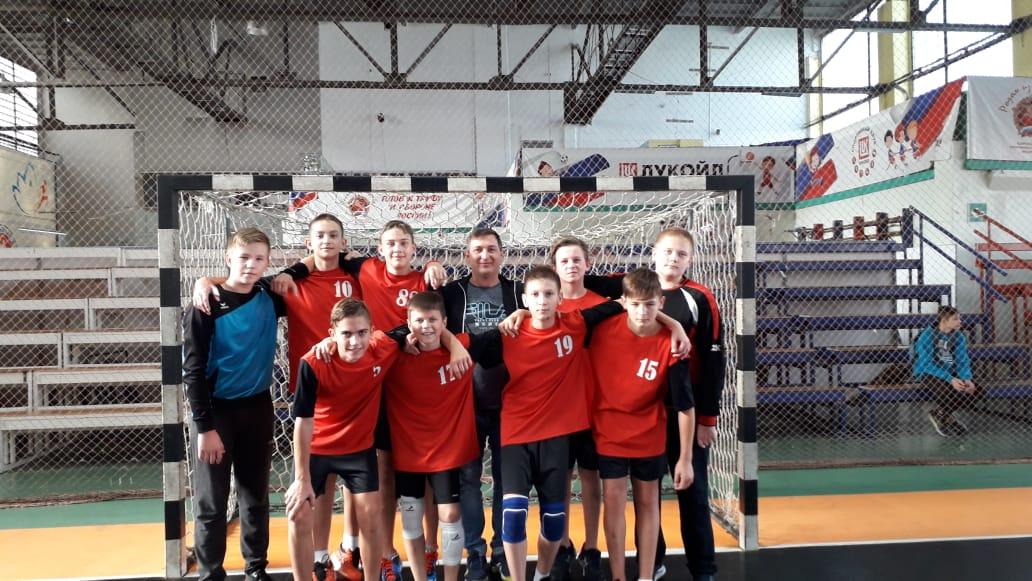 Егорлыкские гандболисты вышли в полуфинал Первенства России