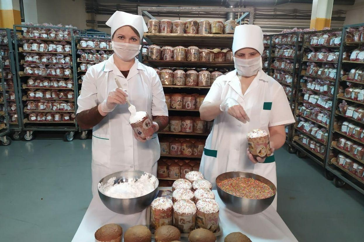 100 тысяч пасхальных куличей передали донские хлебопеки для благотворительной помощи малоимущим жителям области