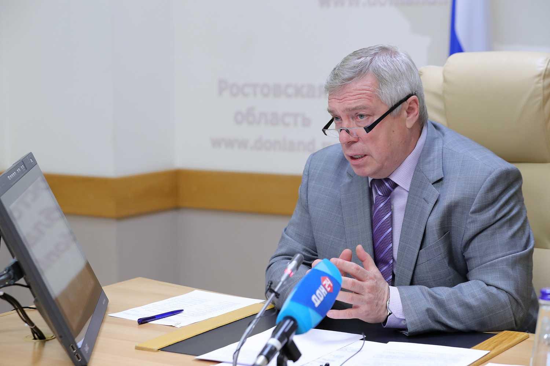 Губернатор РО В.Ю. Голубев: «Социальные выплаты должны стать предметом личного ежедневного контроля руководителей»