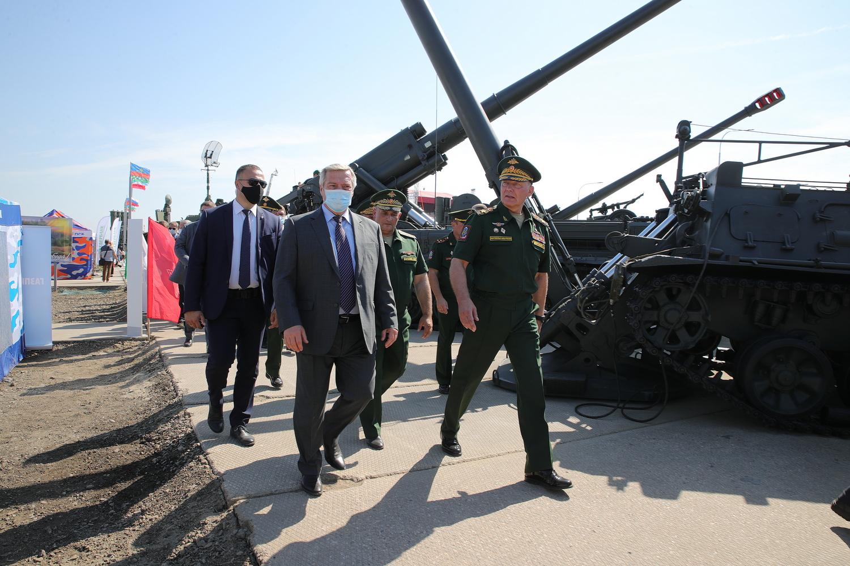 На военном форуме в Ростовской области — лучшие образцы новейшей техники