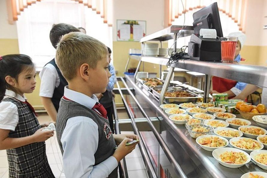 100% младших школьников Ростовской области будут обеспечены бесплатным горячим питанием