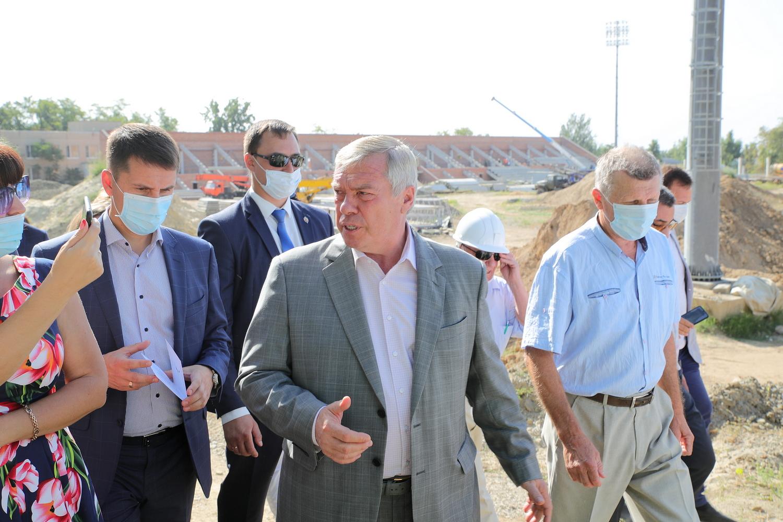 Губернатор проинспектировал ход строительства социально значимых объектов в Шахтах