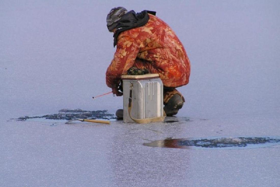 Спасатели Дона предупреждают рыбаков об опасности выхода на лед