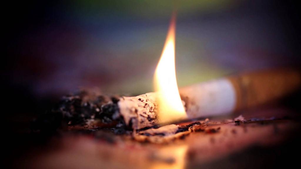 Егорлыкские пожарные предупреждают об опасности алкоголя и курения
