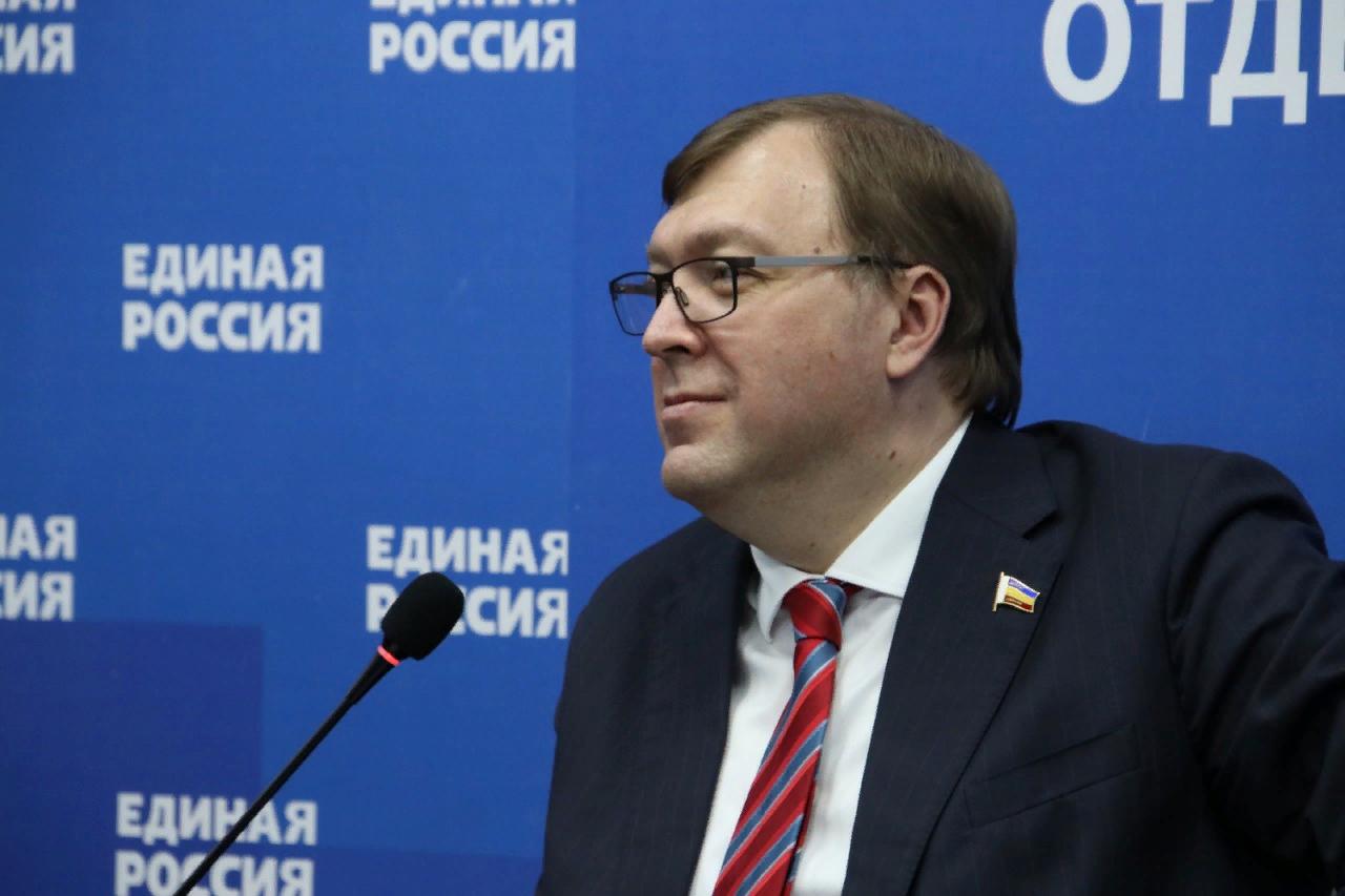 На Дону предложили открыто обсудить предвыборную программу и кандидатов в Госдуму