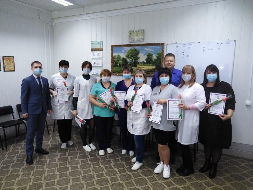 Егорлыкские женщины-медработники принимали поздравления от «Единой России»