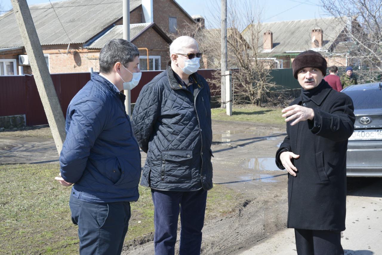 Егорлыкский район посетил министр строительства и развития архитектуры