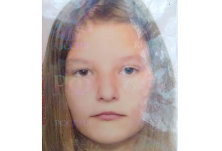 Девушку с неестественной походкой разыскивают в Ростовской области