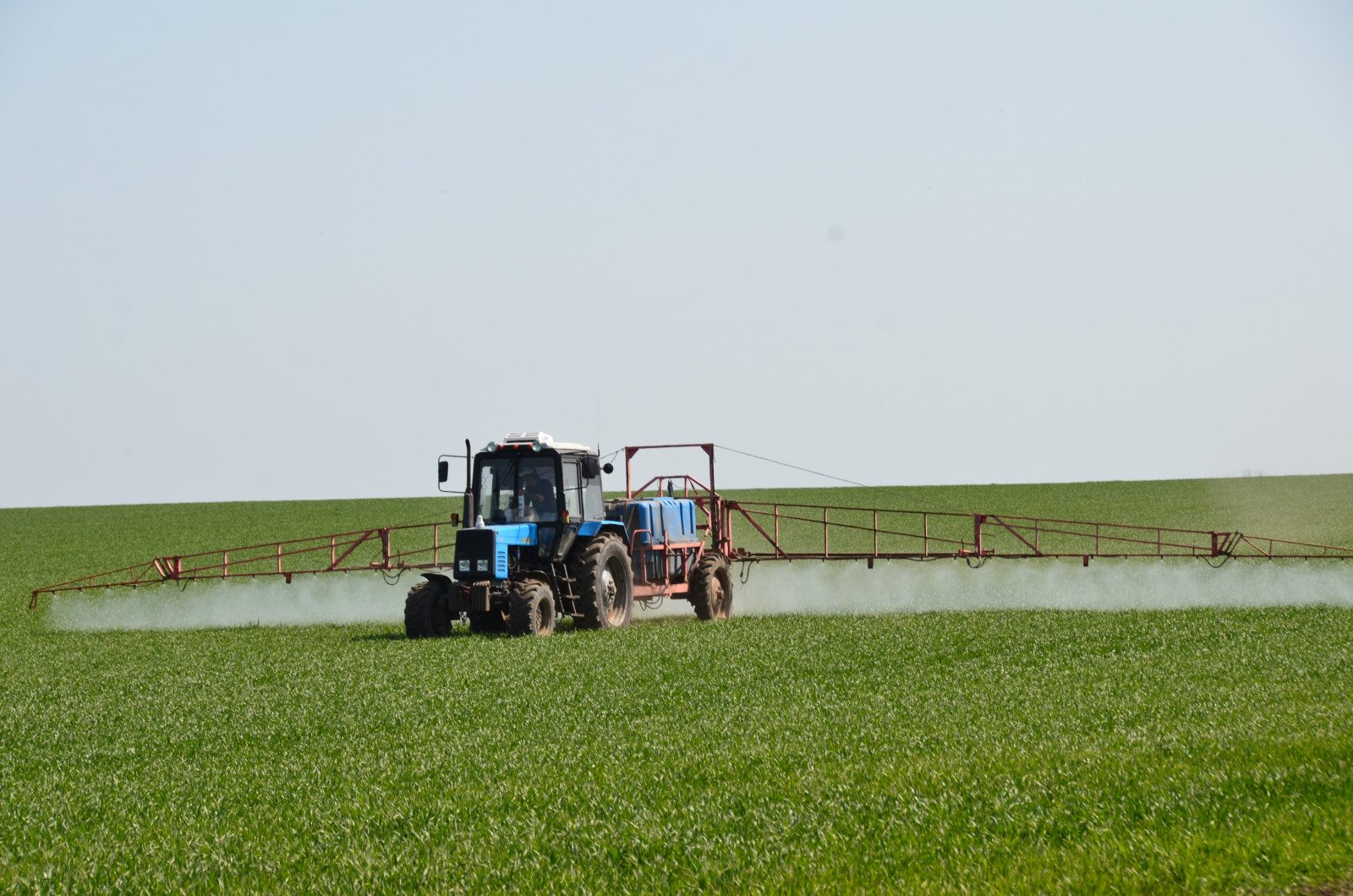 Донские аграрии активно ведут полевые работы