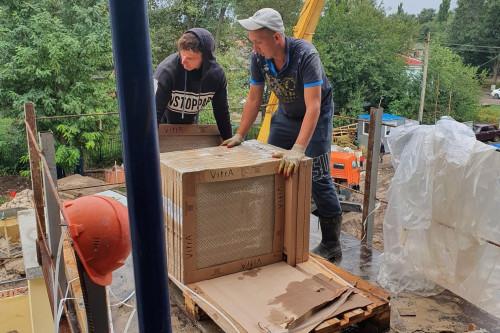 В Егорлыкском районе в двух строящихся детских садах ведется внутренняя отделка помещений