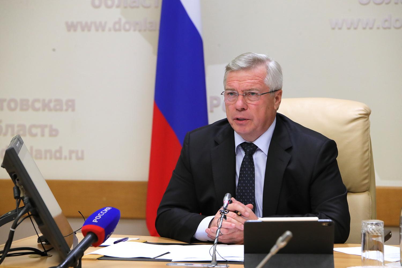Василий Голубев поручил изучить предложения по ужесточению санитарных ограничений в Ростовской области